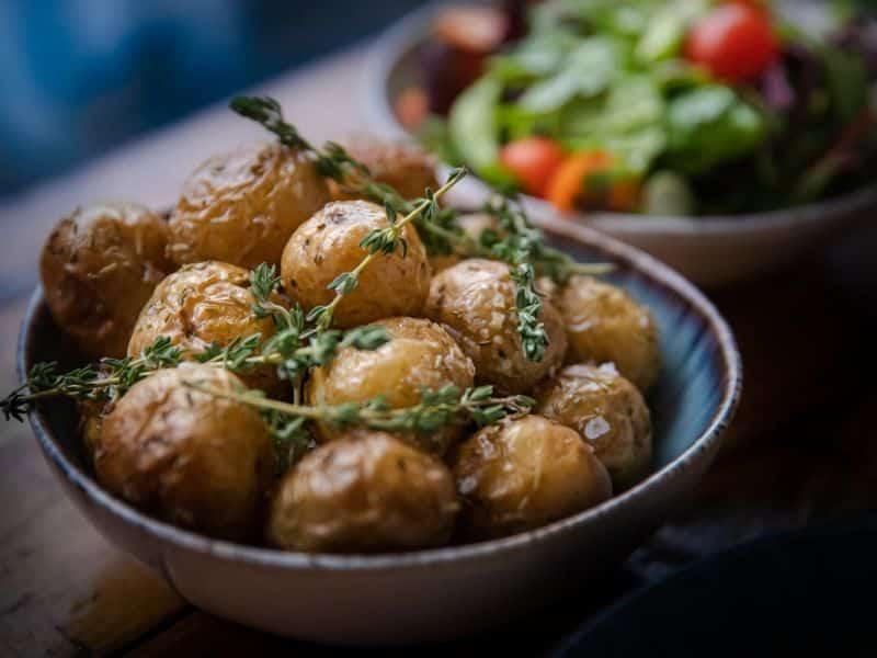 Kartofler i dyb tallerken